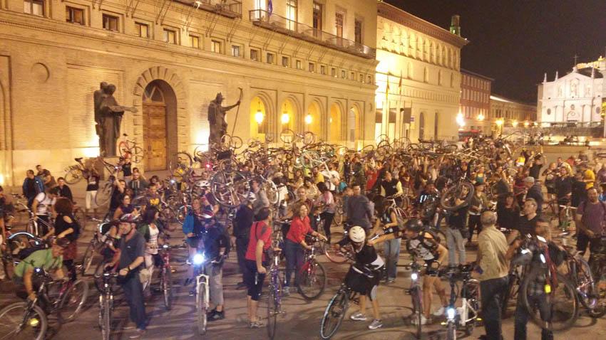 350 ciclistas participan en la Masa Crítica de Pedalea