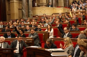 El parlament, que continua els preparatius de la consulta, va votar ahir la comissió de control del 9-N. Foto: VilaWeb