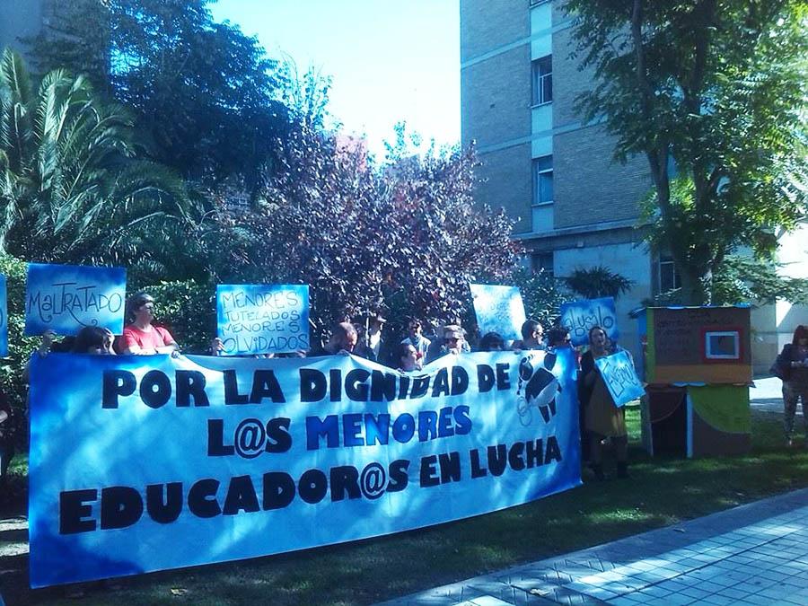 Puyalón, IU y Zaragoza en Común se comprometen con las reivindicaciones de Educadores en Lucha