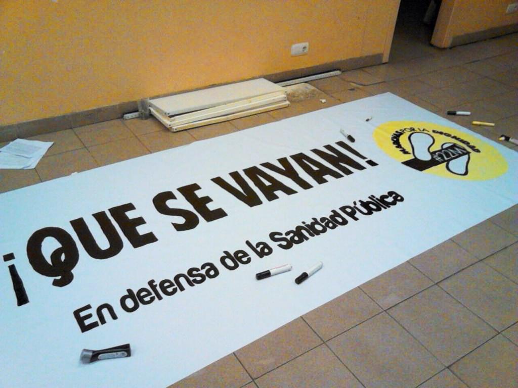 Toda la «marea blanca» de Aragón se reúne en Uesca en defensa de la Sanidad Pública