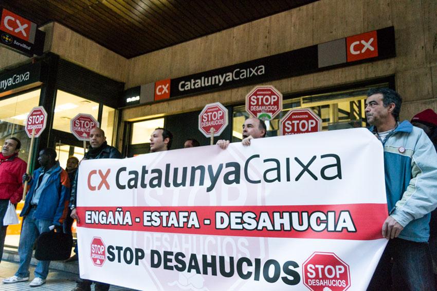 Stop Desahucios Zaragoza continúa sus protestas contra Catalunya Caixa y BBVA