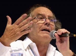 El escultor y Premio Nobel de la Paz, Adolfo Pérez Esquivel, es uno de los firmantes. Foto: Marcello Casal (CC-BY-3.0)