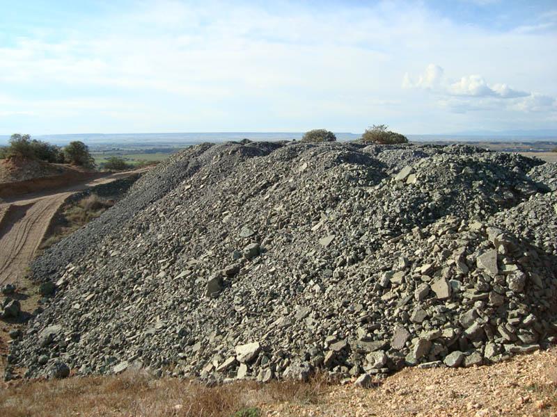 Continúan los vertidos de residuos industriales en Binazet
