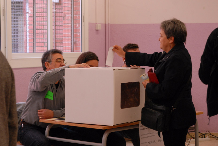 CHA e IU defienden el derecho a votar del Pueblo catalán