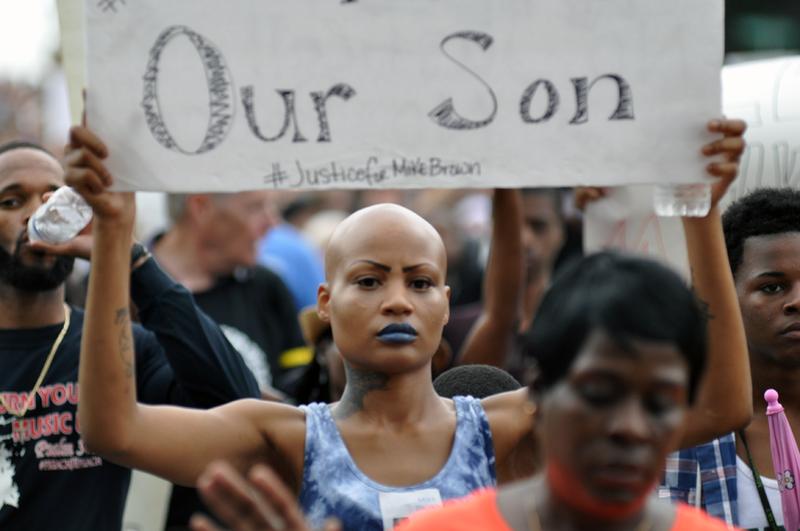 Indignación por la no imputación del policía que mató a Michael Brown en Ferguson