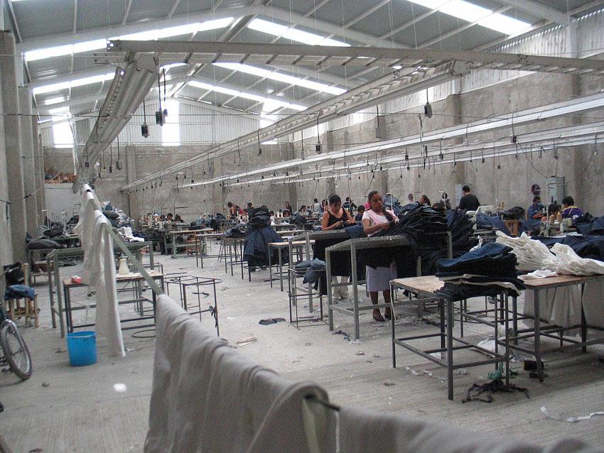 La antropóloga oscense Ana Carmen Laliena analiza la vulneración de derechos sociales de las mujeres en el sector textil