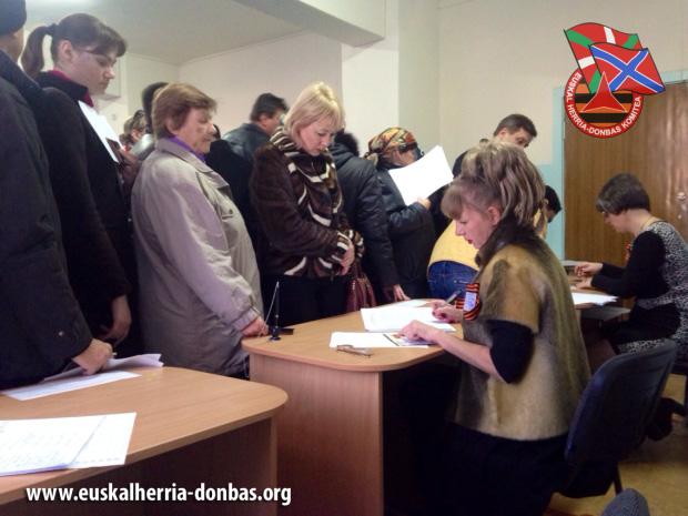 Donetsk y Lugansk eligen a sus actuales líderes en las primeras elecciones en el Donbass
