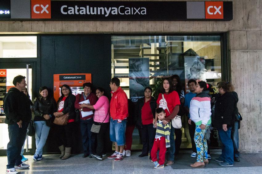 Paralizadas las negociaciones entre Stop Desahucios y Caixa Catalunya