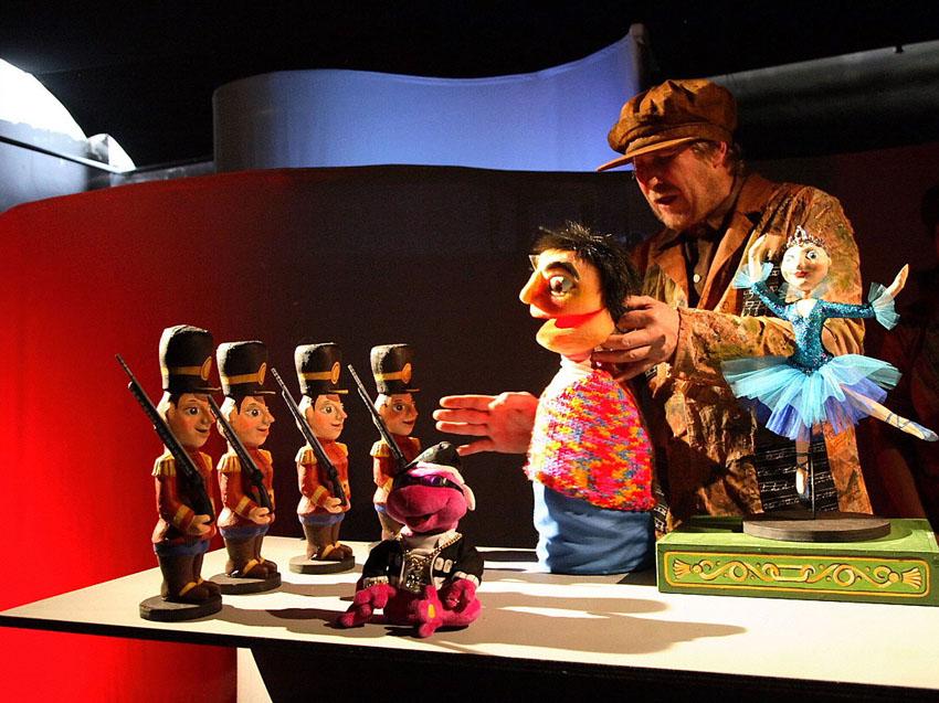"""El intrépido """"soldadito de plomo"""" inaugura el XIII Festival de Arbolé """"Una Navidad de cuento"""""""