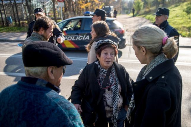 Un matrimonio desahuciado pide justicia en Madrid a las puertas de la Moncloa