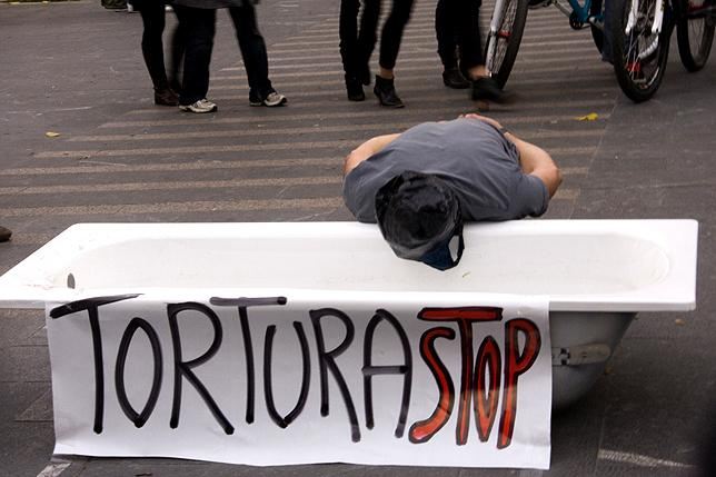 La tortura, los malos tratos y las muertes bajo custodia continúan existiendo en el Estado español