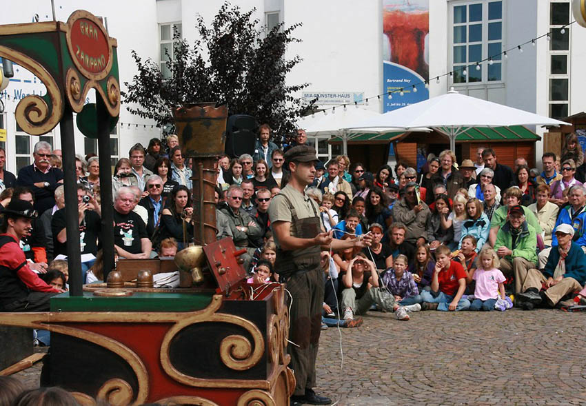 Civi-Civiac inaugura el festival Zaracadabra con el espectáculo 'Cóctel de ilusiones'