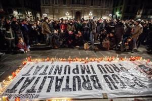 Familiars i amistats de Patricia Heras i diverses persones anònimes van exigir que es reobri el cas. Foto: Victor Serri (La Directa)