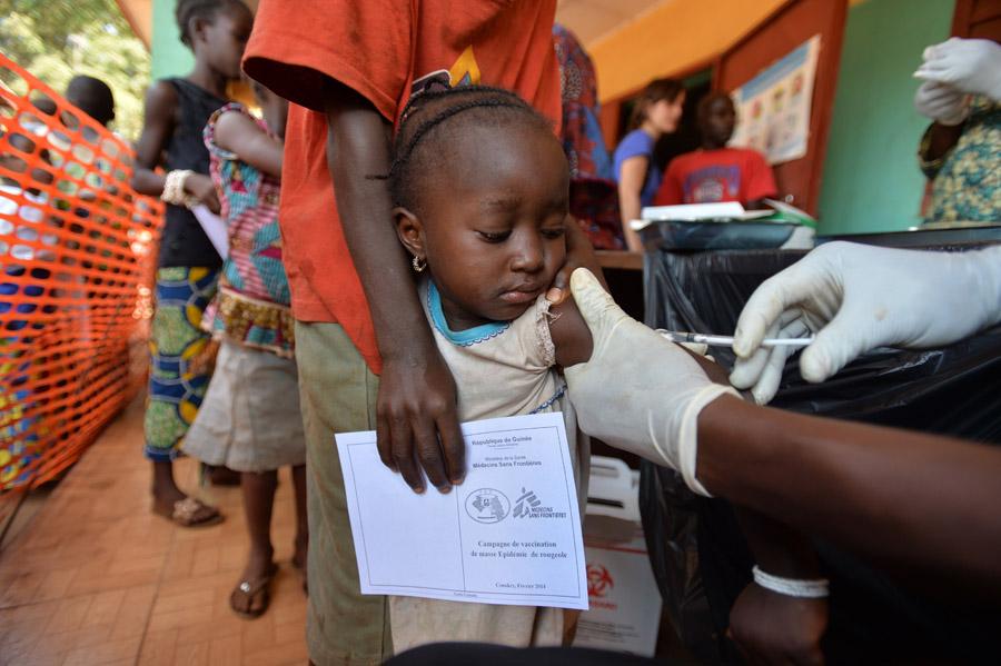 MSF revela las dificultades de los países ante unos precios de las vacunas disparados en un mercado farmacéutico opaco