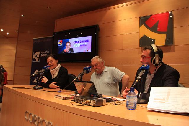 """'Esfendemos as luengas' denuncia """"a permanent ridiculización de l'aragonés y o catalán"""" en Aragón Radio"""