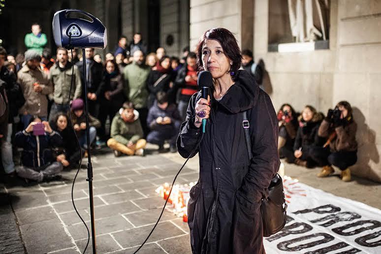 Centenares de manifestantes homenajean a Patricia Heras después del pase de Ciutat Morta en TVC
