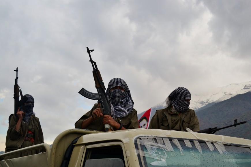 Chicas guapas con fusil: guerrilleras kurdas más allá del fetiche