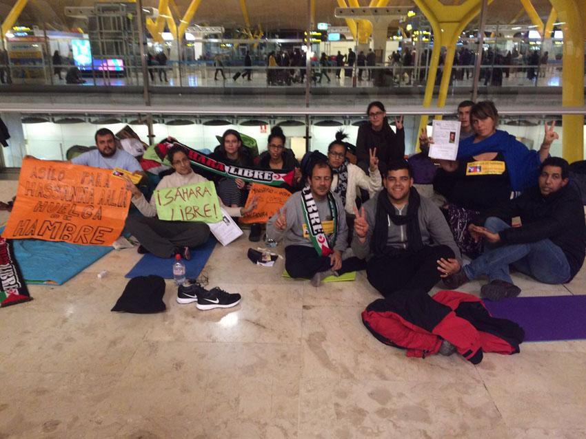 Crecen los apoyos a Hassanna Aalia y las huelguistas ante el silencio de Interior