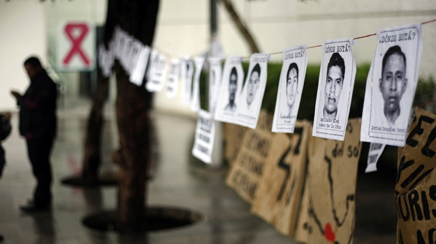 Antonio Cerezo acerca la lucha de los Derecho Humanos en México en el CSC Luis Buñuel de Zaragoza