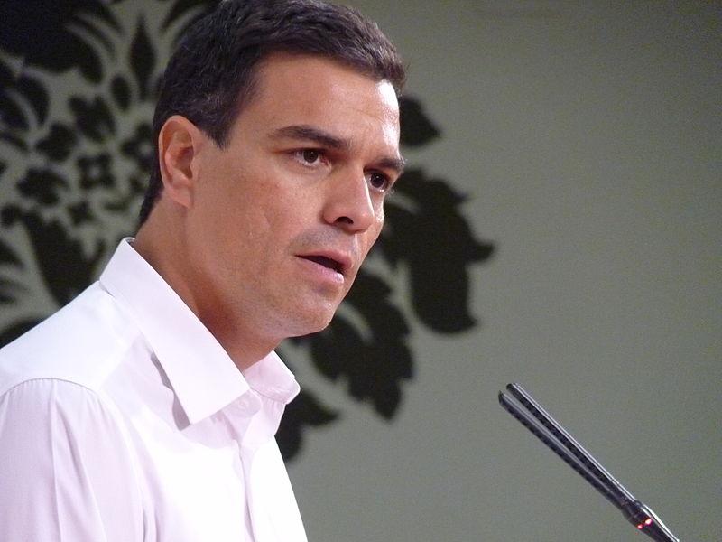Pedro Sánchez denuncia presiones políticas por parte de El País y Telefónica