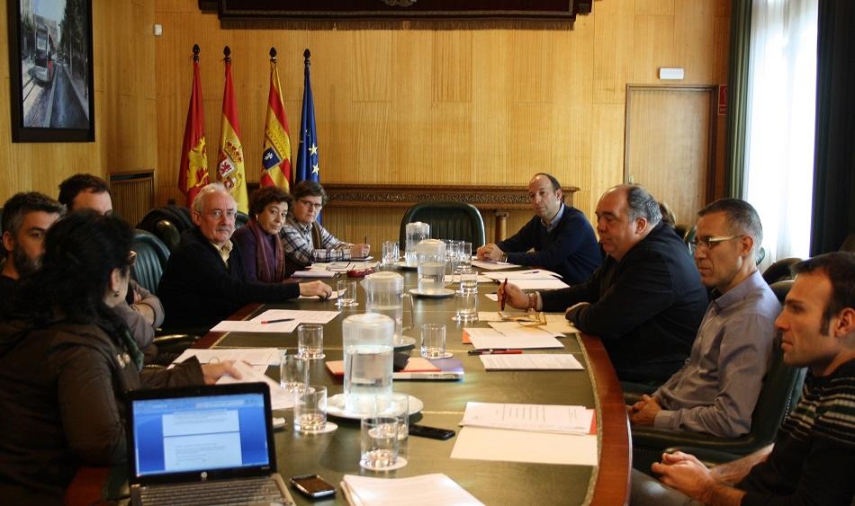 Los grupos municipales del Ayuntamiento de Zaragoza se comprometen con el 'Pacto contra la Pobreza'
