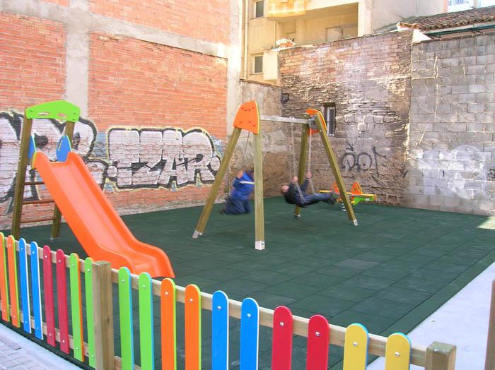 El zaragozano barrio de San José recupera un solar para uso ciudadano