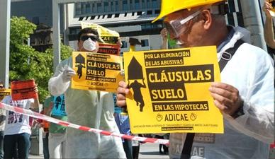 Denuncian a los bancos que perpetuan los ingresos ilegales de sus cláusulas suelo
