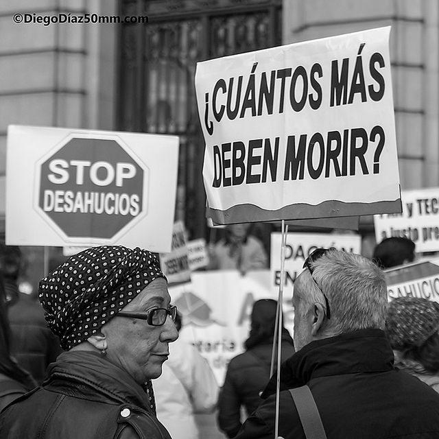 Vuelven a reclamar un «Aragón sin desahucios» ante la última víctima mortal del «genocidio social»