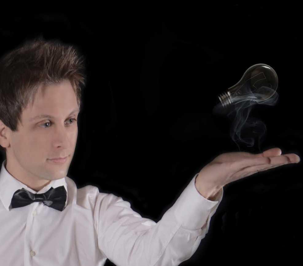 Magia de la mano de Pepe Lirrojo y Dakris en El Sótano Mágico
