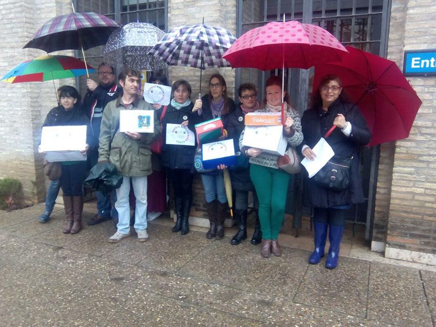 13.000 firmas piden a Rudi una «responsable y urgente» planificación educativa en el distrito del Rabal