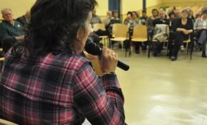 Luisa Broto durante un acto de Zaragoza en Común. Foto: @luisabroto