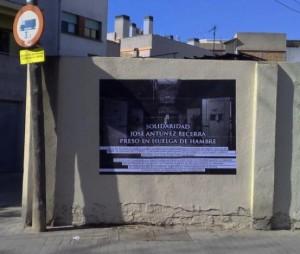 Cartel en solidaridad con la huelga de hambre de Antunez Becerra en Barcelona. Foto: Indymedia