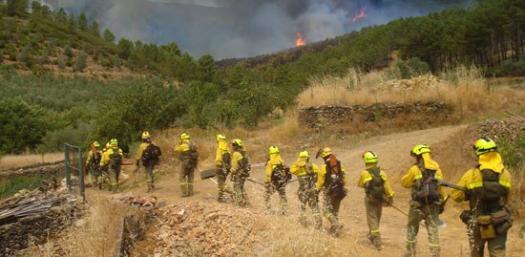 El Consejero Modesto Lobón y el Director General de Gestión Forestal, Roque Vicente, ahogan a los bomberos forestales