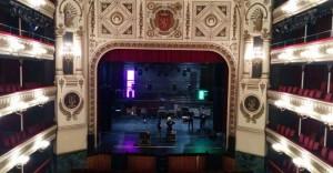 El Teatro Principal acoge la gala.