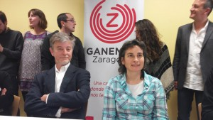 Pedro Santisteve y Luisa Broto, cabezas de lista de Ganemos Zaragoza. Foto: @arainfonoticias
