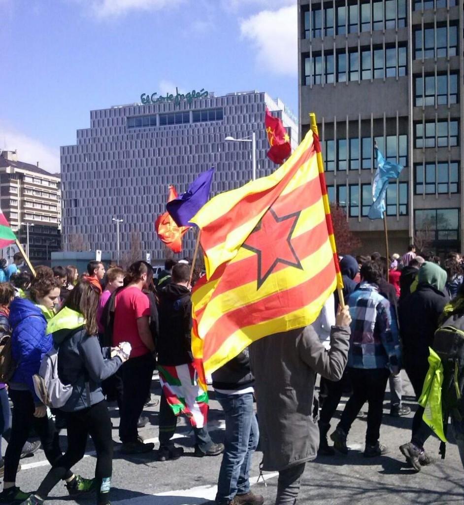 Una representación aragonesa participó en la masiva manifestación independentista con motivo del Aberri Eguna