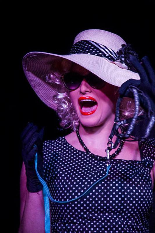 Un viaje por el Cabaret en El Sótano Mágico