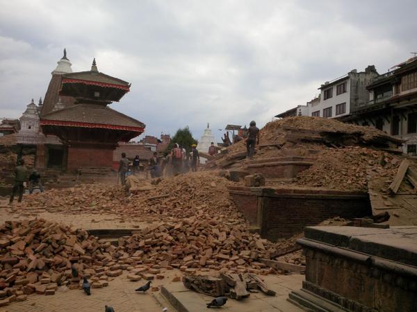 La cifra de muertos por el terremoto en Nepal podría superar los 10.000