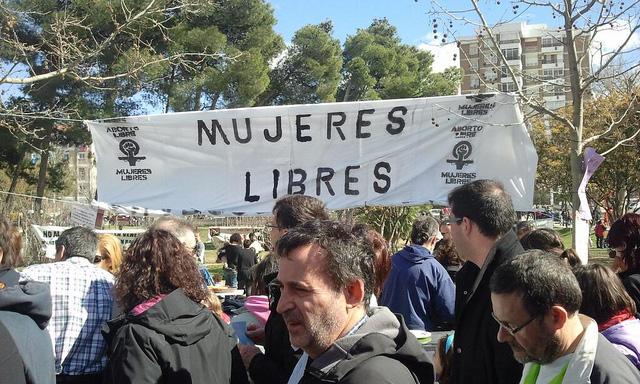 'Barrios Vivos, Mujeres Vivas': una Cincomarzada reivindicativa y festiva en el parque Tío Jorge de Zaragoza