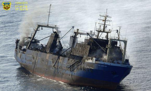 Ecologistas en Acción considera ilógico que el pesquero hundido con 1.500 toneladas de fuel fuera alejado de puerto