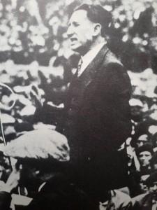 Ángel Pestaña, mitinen la plaza de toros de Zaragoza, 1931