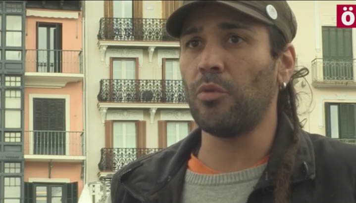 La Fiscalía reduce su petición a una pena de dos años de cárcel y 18 meses de multa contra el periodista Boro