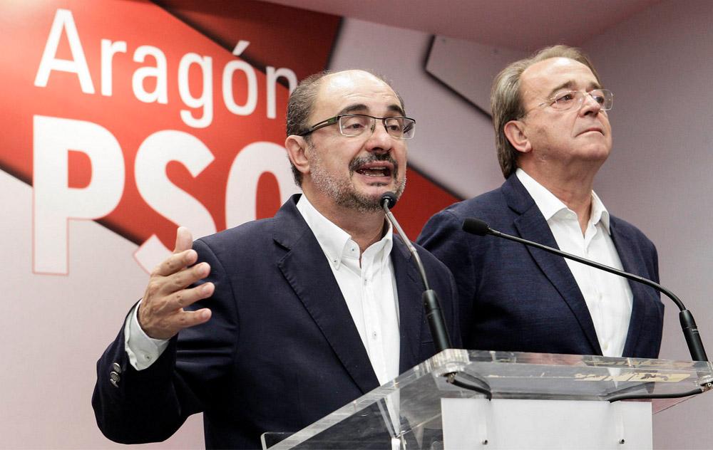 Javier Lambán será investido presidente de Aragón con el apoyo de CHA, IU y Podemos