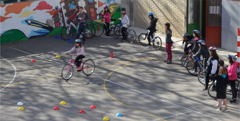 Pedalea rechaza la idea del carnet ciclista