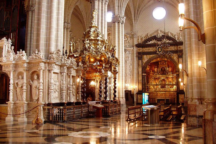 El Arzobispado de Zaragoza registró a su nombre la Catedral de la Seo en el año 1988