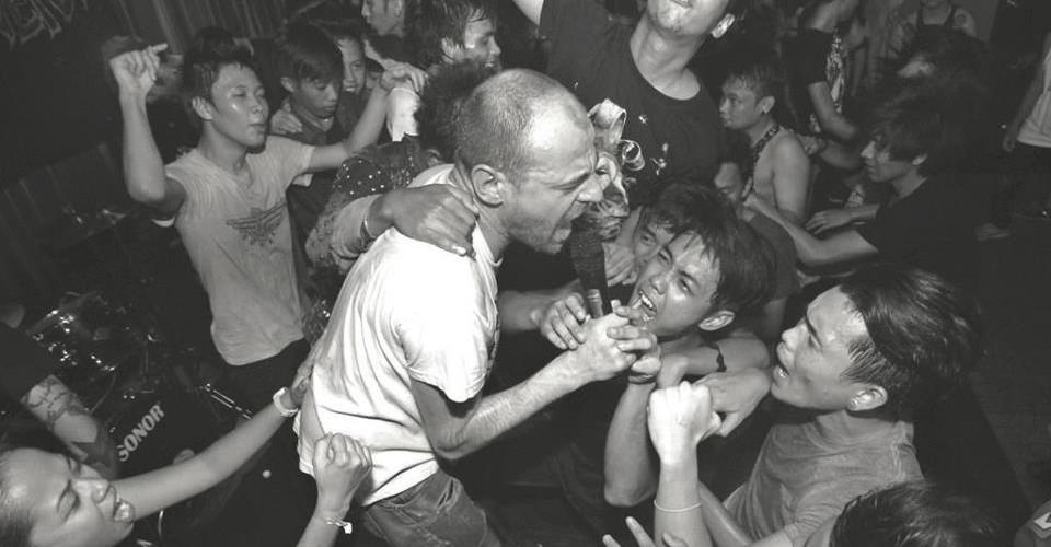 Sobredosis de hardcore punk en Arrebato