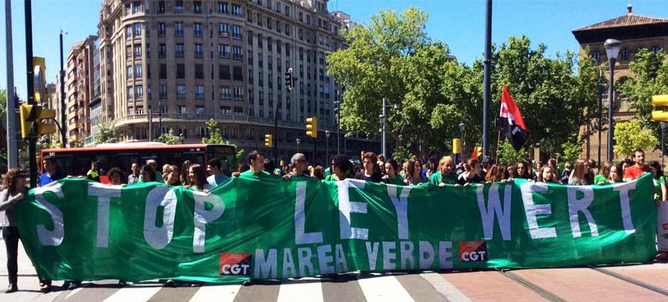 El Congreso español aprueba la suspensión del calendario de la LOMCE, el primer revés político de Rajoy