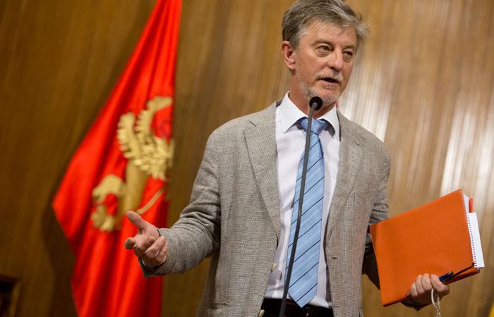 Reducción de salarios y menos asesores en el Ayuntamiento de Zaragoza