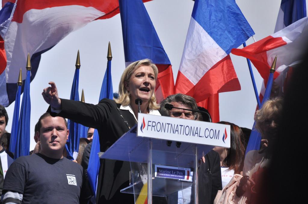 Marine Le Pen impulsa el nuevo grupo de extrema derecha en el Europarlamento
