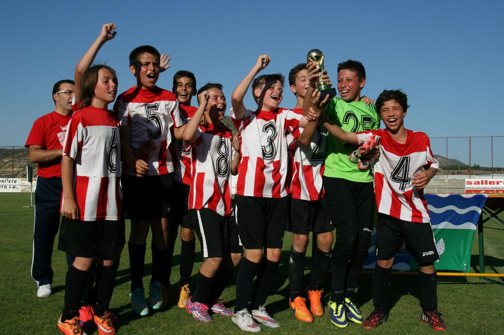 El Atlètic Segre se proclama campeón del III Torneo de Fútbol 7 Alevín de Mequinensa